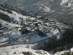 La stazione sciistica di Courchevel nelle Alpi Francesi della Savoia (Photo courtesy of Wikimedia Commons)