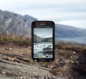 Photo of Quechua presenta Phone 5″, lo smartphone mountain proof