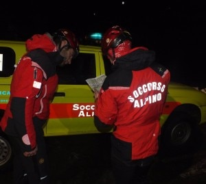Soccorso Alpino durante intervento in notturna (Photo courtesy of Sasl)