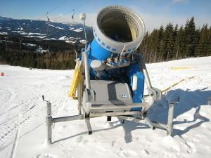 Photo of Val Gardena, sciatore finisce contro cannone sparaneve