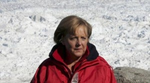 Photo of Sci, Angela Merkel frattura il bacino facendo fondo. Schumacher ancora critico