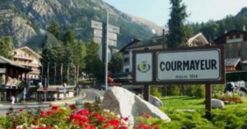Courmayeur-Photo-courtesy-www.chamonix.net_-300x225.jpg