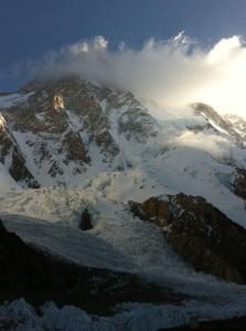 La-cima-del-K2-avvolta-dalle-nuvole-223x300.jpg