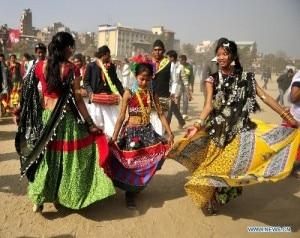 Tharu-dance-300x238.jpg