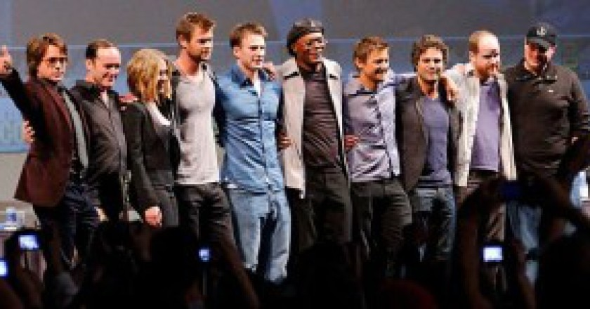 640px-The_Avengers_Cast_2010_Comic-Con_cropped-300x151.jpg