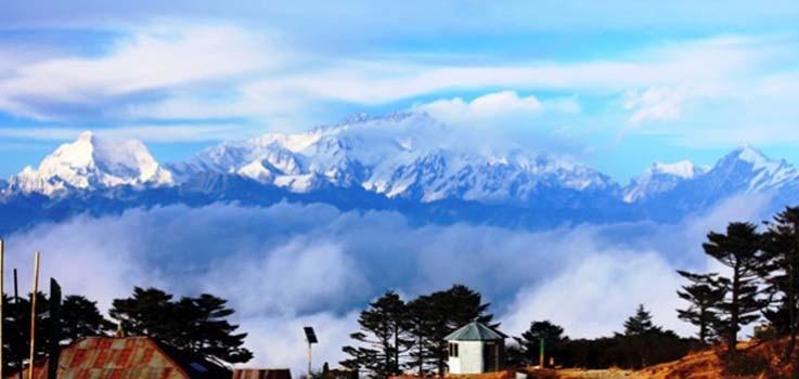 Photo of (English) Panoramic view of mountains from Sandukpur