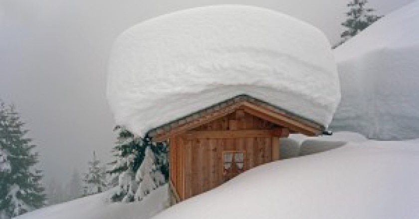 Piccola-baita-grande-nevicata-Thomas-Martini-300x200.jpg