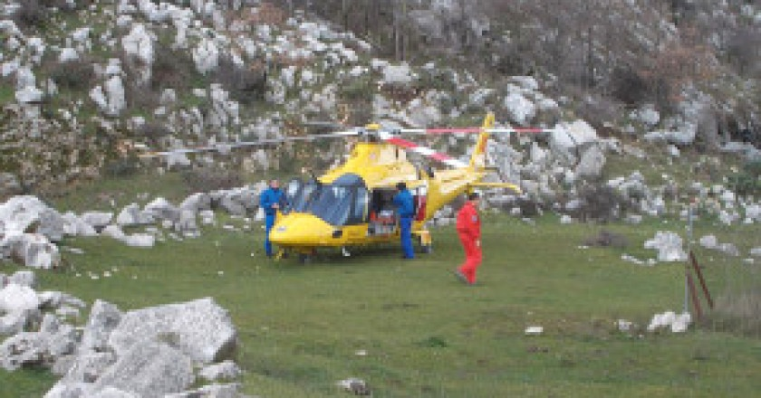 elicottero_ragazzo-300x225.jpg