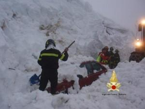 Photo of Valanga travolge 4 auto ad Arabba, salvi gli occupanti