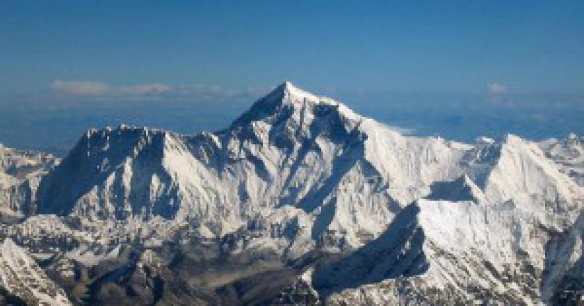 1280px-Mount_Everest_as_seen_from_Drukair2_PLW_edit-300x201.jpg