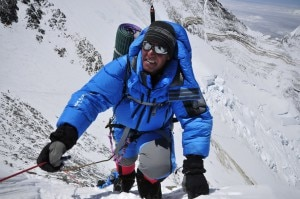 Ed Viesturs all'Everest (Photo courtesy of Eddie Bauer - pagina facebook)