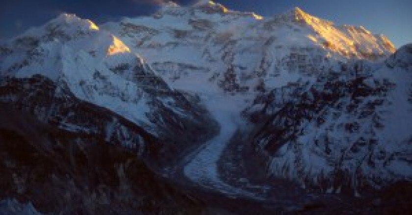 Kangchenjunga-parete-nord-Photo-Nelson-www.summitpost.org_-300x201.jpg