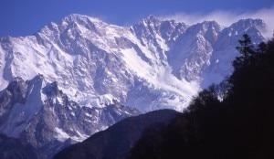 Kangchenjunga parete sud (Photo Carsten nebel - Wikipedia)