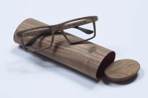 """Photo of Un occhiale in legno """"made in Dolomiti"""""""