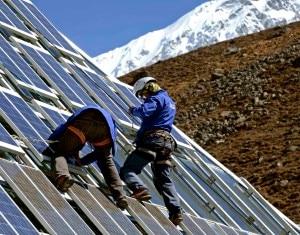 Photo of Dati e progetti 2014 alla Piramide dell'Everest. Sottosegretario Della Vedova: eccezionale il contributo di EvK2Cnr e del Cnr nelle regioni himalayane