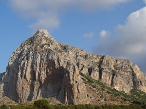 Photo of Incidente d'arrampicata a San Vito Lo Capo, grave una climber