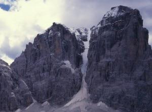 Photo of Precipita per 800 metri da Cima Tosa, scialpinista salvo per miracolo