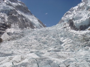 Photo of Valanga all'Everest, Verza: la linea di salita sull'Icefall è divenuta piu pericolosa