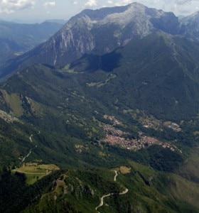 Photo of Scivola per 150 metri sul Grignone, grave un escursionista