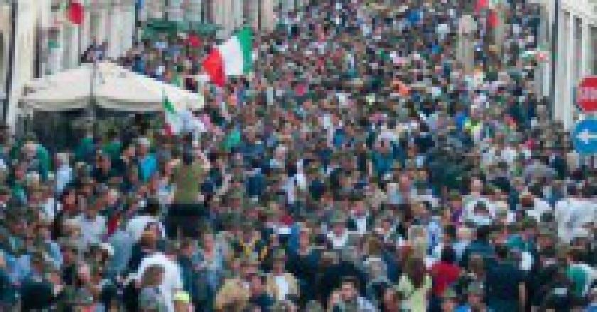 05-Alpini-e-bandiere-invadono-Pordenone-199x300.jpg