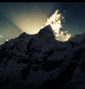 Photo of Horn e Roux verso la cima del Makalu. Al Kangche da nord e da sud alpinisti all'ultimo campo
