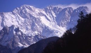 Photo of Valanga al Kangchenjunga West, 3 morti