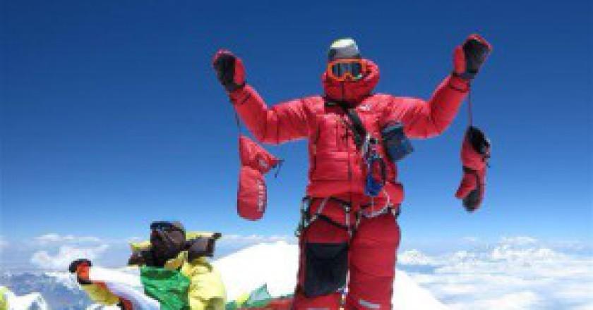 Marco-Camandona-in-cima-al-Kangchenjunga-photo-dalla-pagina-facebook-di-Marco-Confortola-300x225.jpg