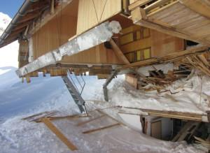 Photo of Rifugio Petrarca distrutto da valanga, sì alla ricostruzione ex novo