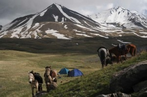 Photo of Viaggio tra montagne, acqua e cavalli: Tien Shan in mostra a Bolzano