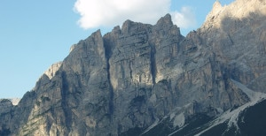 Photo of Cortina, giovane alpinista muore su Punta Fiames
