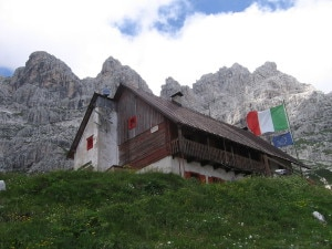 Rifugio Guido Corsi (Photo JakobZ - Wikipedia)