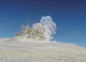Photo of Cile, fatta esplodere cima di una montagna per il telescopio più grande del mondo