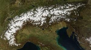 Alpi innevate viste dal satellite (Photo courtesy of Wikipedia.org)