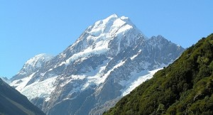 Monte Cook, la cima più alta delle Alpi meridionali neozelandesi (Courtesy of Wikipedia.org)