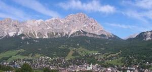 Cortina d'Ampezzo vista dall'alto (Photo courtesy of Wikipedia.org)
