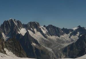 Photo of Monte Bianco, ritrovati resti di alpinista morto 32 anni fa