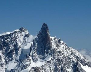 Photo of Monte Bianco, due morti sul versante francese del Dente del Gigante