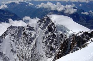 Photo of Valanga sul Monte Rosa: un morto e due feriti