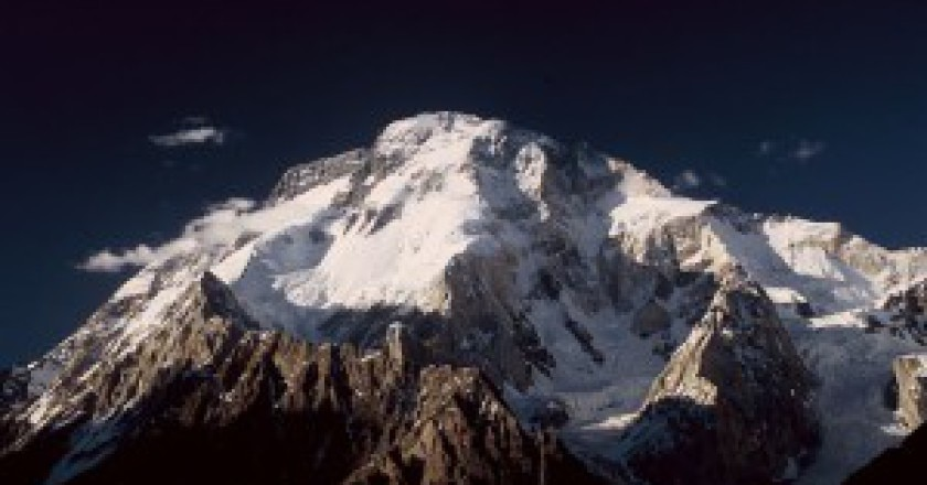 Broad-Peak-Photo-Flothias-Wikipedia-Commons-300x199.jpg