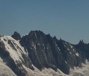 Photo of Ricerche sul Monte Bianco, scomparsa cordata su Les Courtes