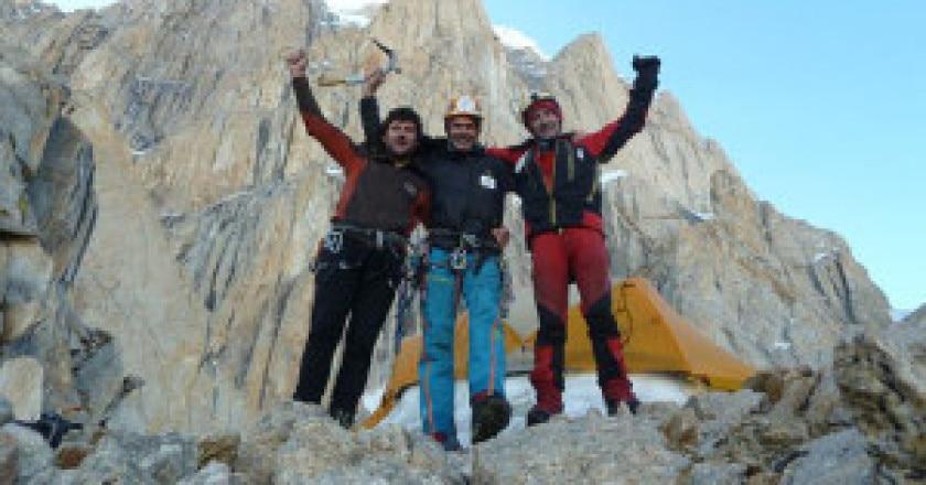Juan-Vallej-Alberto-Iñurrategi-e-Mikel-Zabalza-al-Paiju-Peak-Photo-Wopeak-facebook-300x225.jpg