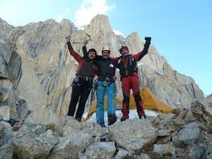 Photo of Eccezionali Iñurrategi ,Vallejo e Zabalza al Paiju Peak. Nuova via sul pilastro sud