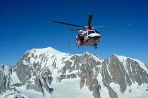Photo of Monte Bianco, ancora sospese le ricerche dei dispersi