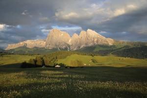 Ultieme-luci-sul-Sasso-Lungo-e-Sasso-Piatto-Roberto-Baranzini-300x200.jpg
