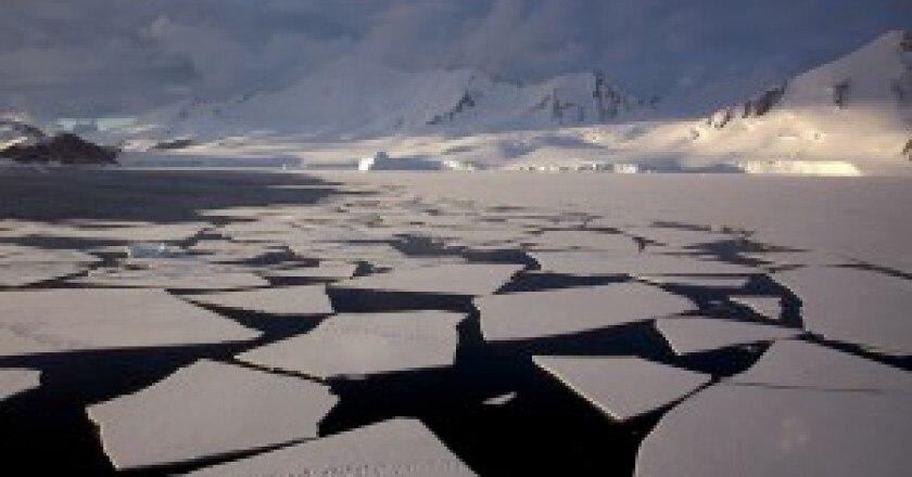 1024px-Antarctic_mountains-300x187.jpg