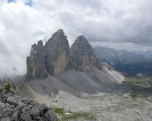 Photo of Dolomiti di Sesto, persone in difficoltà su Tre Cime di Lavaredo e Monte Paterno