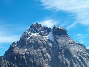 Photo of Scarpe rosse sul Monviso, lotta a violenza sulle donne arriva in alta quota