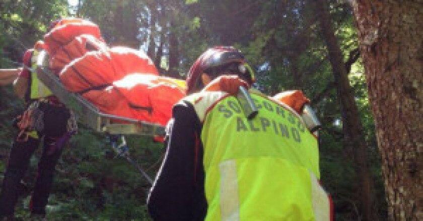 Soccorso-alpino-Lombardo-in-azione-Una-foto-darchivio-pagina-Facebook-soccorso-alpino-Lombardo-300x188.jpg