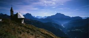 """Photo of """"Tre personaggi in cerca di.."""" la sfida artistica dell'estate in Dolomiti"""