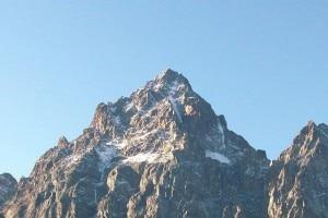 Photo of Ritrovato senza vita l'alpinista disperso da giorni sul Monviso